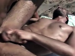 handsome Papis on hardcore anal sex on the beach
