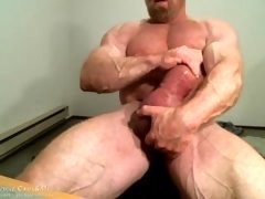 MuscleMaster Tom Lord Pumps his Enormous Cock at JockMenLive