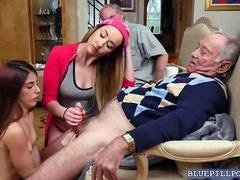 Sexy hot chick Gigi Flamez loves to fuck a hard cock