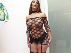 Curvaceous Latina whore goes anal and tastes some cum after that