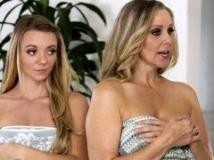 Julia Ann Molly Mae and Gia Paige at Mommy-s Girl
