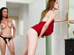 Diamond Foxxx strapon fucks leggy beauty Nina Skye