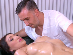 Handsome masseur Keiran Lee knows how to please this brunette babe