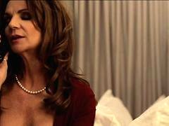 Bigtit euro cougar fucks the roomservice dude