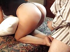 Thick juicy ass Claudia gets her wrinkly wide feet cummed