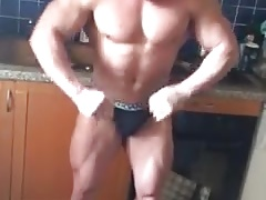 Bulgarian gay escort Georgi flexing