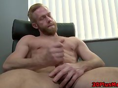 Muscly ginger cums solo