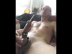 2 cumshots on a horny day