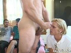 Tattooed queer gets his dick sucked and rubbed in kinky gay action