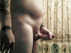 Amateur Guy Beating Off After Shaving
