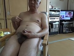 The elderly ejaculate with naked masturbation and drink semen