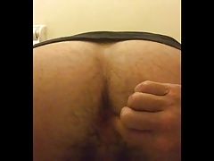 Inserting my ass stretching butt plug