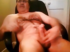 Delicious daddy bear jerking off