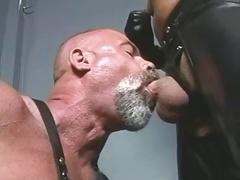 Smoking TitPig Steve Hurley & Leather Bear