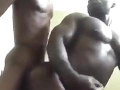 Skinny Guy Fucks Muscle Guy