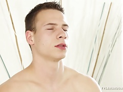 Muscular Lukas Keisie Stroking