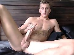 Horny Straight Guy Shows Off and Jerks