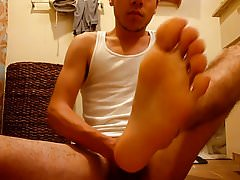 Self footjob & Cum on feet