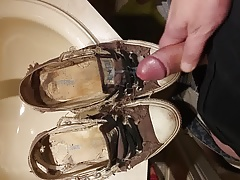 Cumming converse sneakers