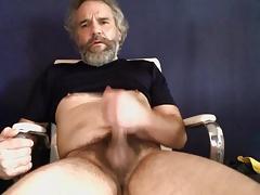 Bearded stud unloading