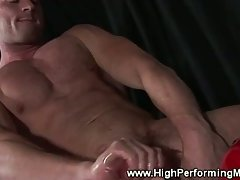 Amateur jock blows his load over his bike