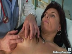 Grown-up Livie vagina checkup by excited kinky gyno doctor
