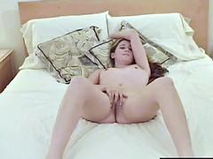 Small Jugged Ana Vibrating Her Snatch