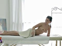 Massage babe Emma Piquet sucking masseur