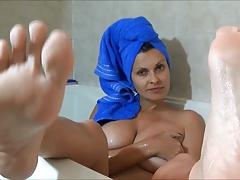 Bathing feet fetish