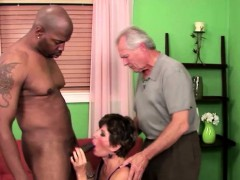 Sucer une bite, Brunette brune, Cocu, Doigter, Mamie, Hd, Interracial