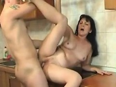 Mama and son4 Kylie from 1fuckdatecom