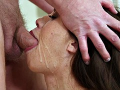 Pijpbeurt, Bruinharig, Sperma shot, Pornster