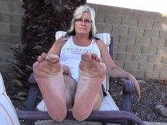 Mega jummy cougar soles Carli from dates25com