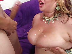 Hot chubby girl gets her plump pussy licked and fucked