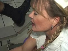 Porsche Lynn shows Lisa Berlin her Fisting sex PARLOR