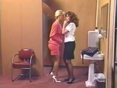Lacy Rose and also Debi Diamond : 2 Horny Pigs - 1 Strap On