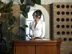 Hot Tranny Secretary Bia Utterly N