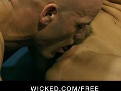 Jessica Drake wrestles her trainer for rough-sex