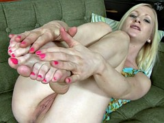 Solo By Nice Girl With Sexy Feet