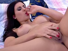 Billie Star is playing with her tight twat