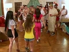 Americano, Tetas grandes, Morena, Rostro sentado, Sexo duro, Orgía, Fiesta, Realidad