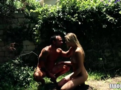 Jessie Andrews Sucking A Cock