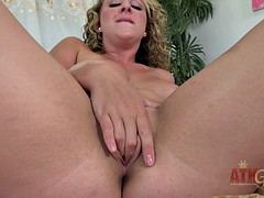 Round Blonde In Solo Action