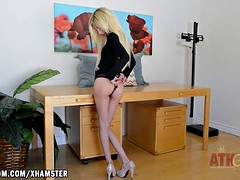 Piper flaunts her young ass and tight pink twat