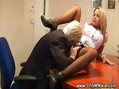 Aged geezer goes down on young and fresh hoe on his office table