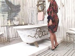 Jasmine Black Fucked In The Bath