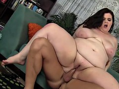 Busty BBW Sucks a Dick and Takes It in Her Cunt