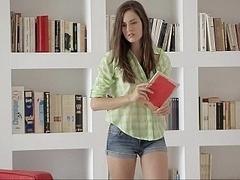 18 ans, Brunette brune, Collège université, Mignonne, Innocente, Maigrichonne, Étudiant, Adolescente