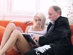 Leie, Blondine, Erotischer film, Jungendliche (18+)