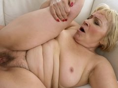 A granny that loves getting fucked is anally penetrated hard